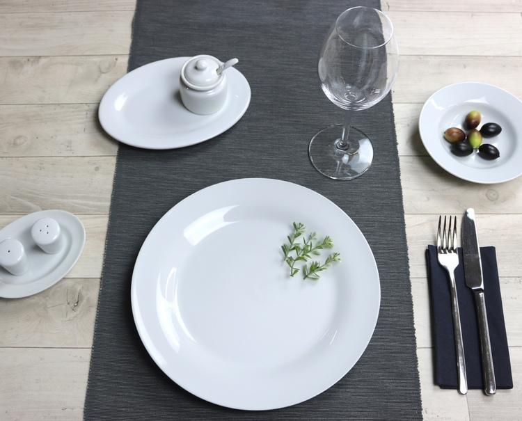 Günstiges Restaurantporzellan- Serie Basic von Holst